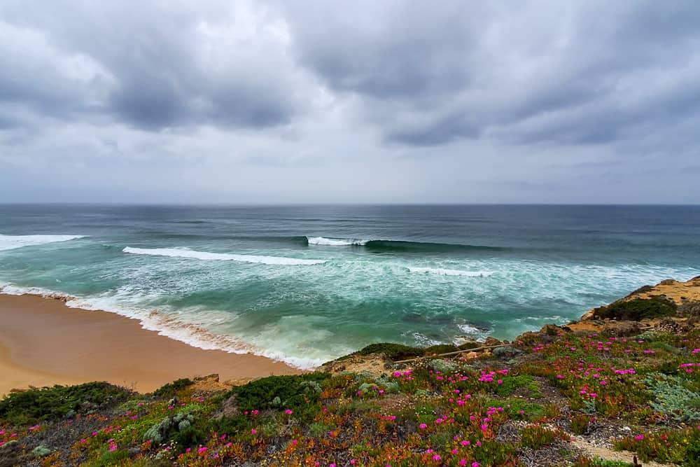 A great wave at the surf spot São Julião