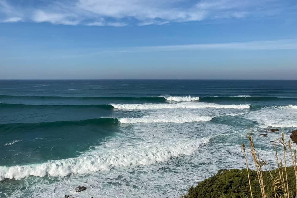 The surf spot São Lourenço offering long righthand waves