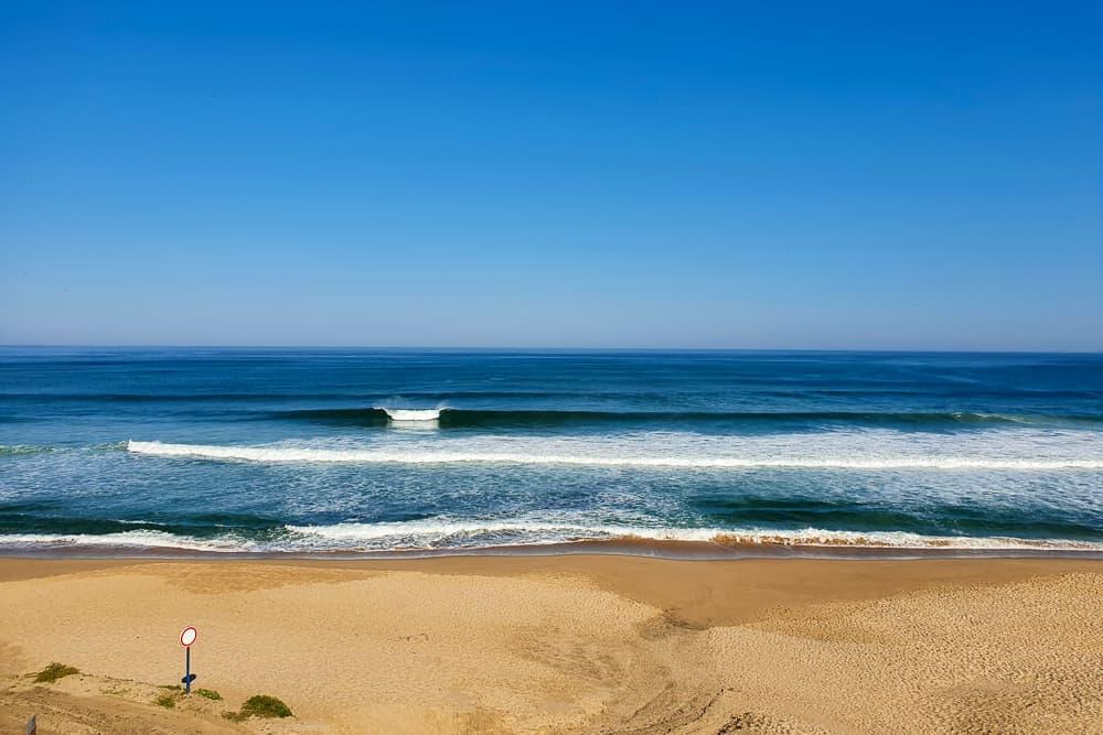 Nice waves and an empty lineup at Praia da Peralta