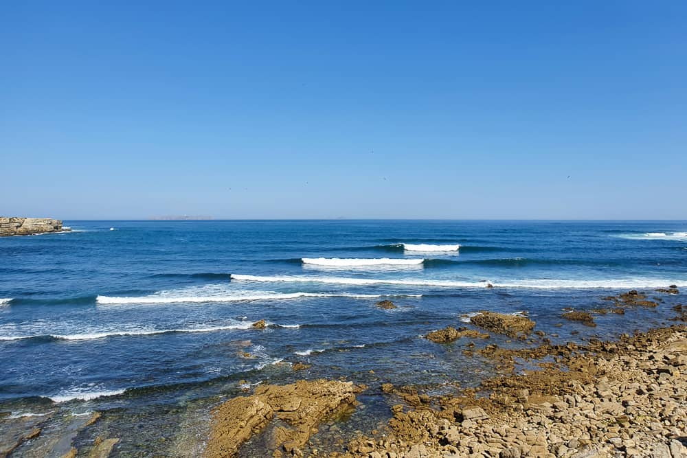 Fun surf conditions at the surf spot Papôa in Peniche