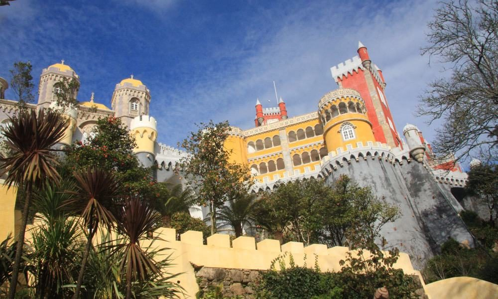 The beaufitul Palácio Nacional da Pena in Sintra